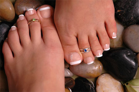 http://www.easyonlinecoupons.com/wp-content/uploads/cheap-toe-rings.jpg